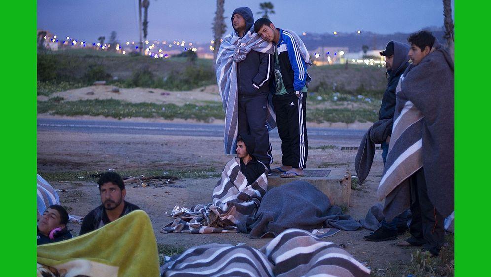 Photo Gallery: Misery in the Mediterranean