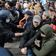 Warum greift die Polizei bei »Querdenker«-Demos nicht durch?