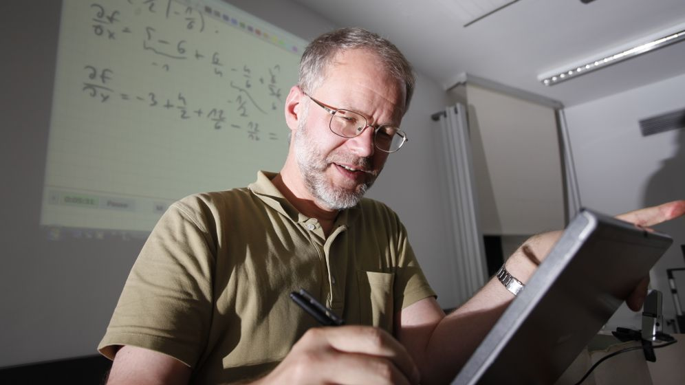 Mathe-Prof bei YouTube: Klicken, sehen, rechnen