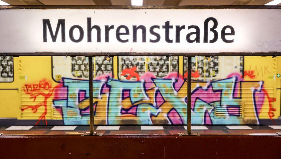 """U-Bahnschild in Berlin: """"Die Absicht ist in der Auseinandersetzung mit Rassismus nicht maßgebend."""""""