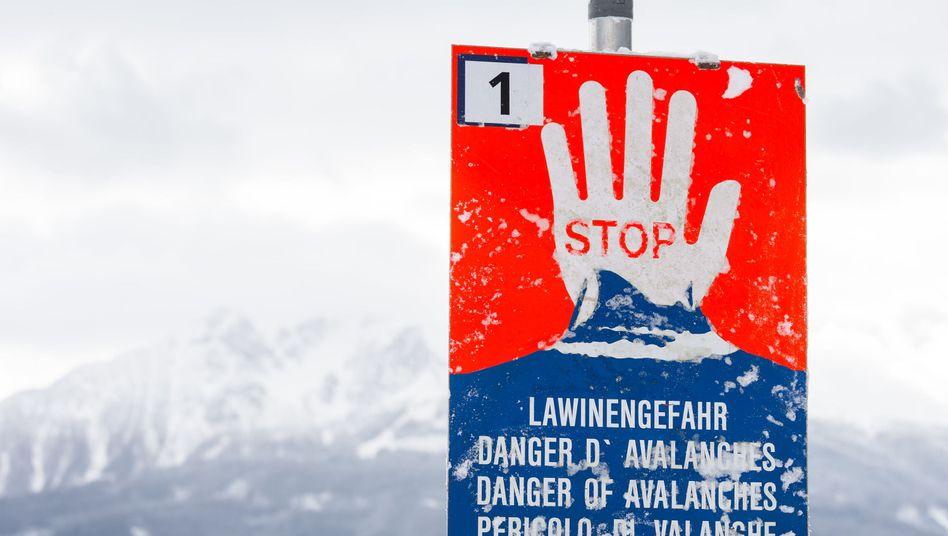 Lawinen-Warnschild (Symbolbild)