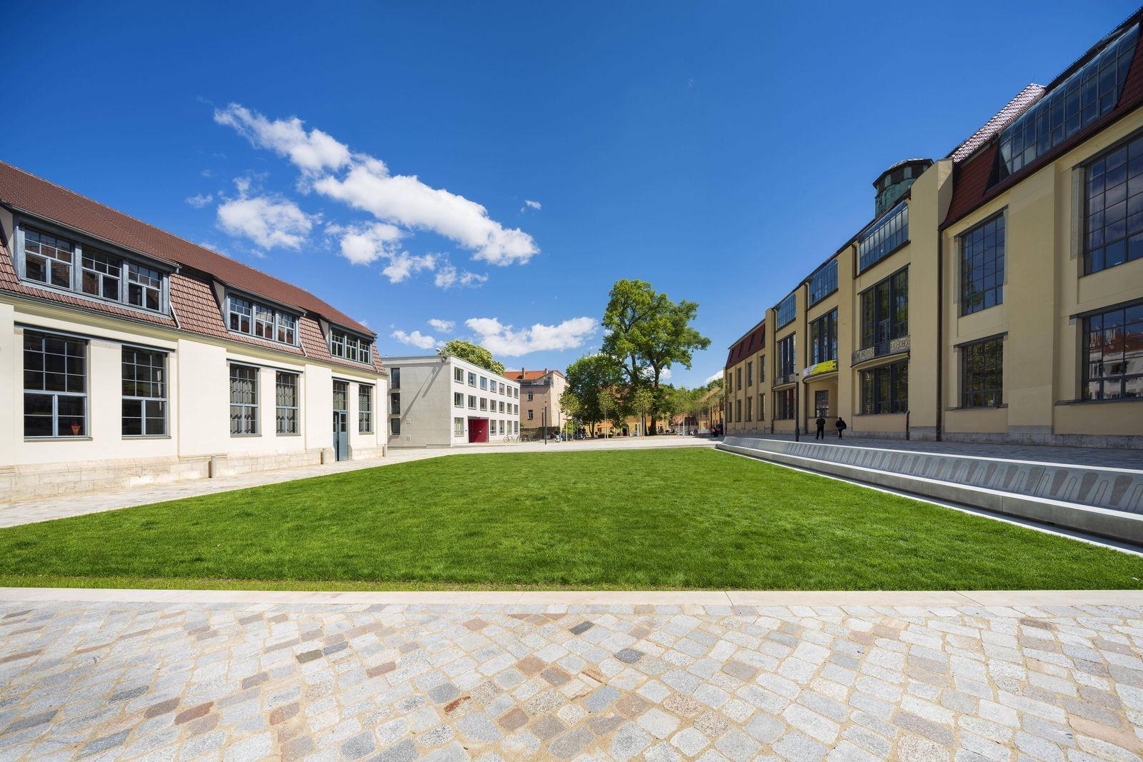 EINMALIGE VERWENDUNG Bauhaus Universität Weimar Campus