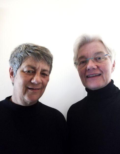 Claudia Dornhoff (links) und Pastorin Kerstin Neddermeyer