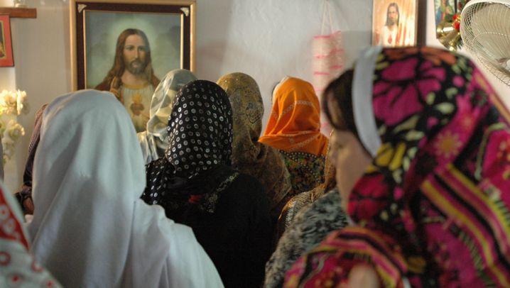 Christen in Islamabad: Der Weihnachtsmann spielt Saxofon