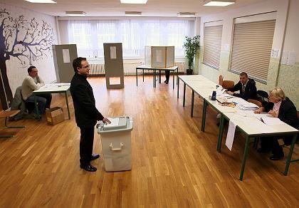 Wenig los im Wahllokal: Ausdruck der sozialen Spaltung