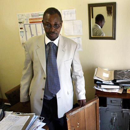 """Simbabwes Informationsminister Ndlovu: """"Das ist höchster Rassismus von einem deutschen Regierungschef"""""""