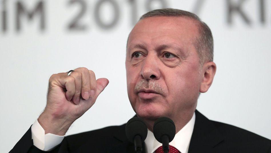 """Erdogan vor Parteimitgliedern in Ankara: """"Wir werden nicht zögern"""""""