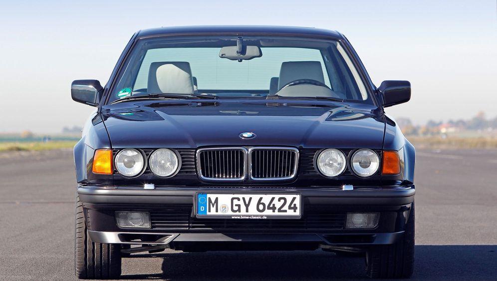 Günstige Oldtimer - der BMW 7er E32: Er machte das Dutzend voll