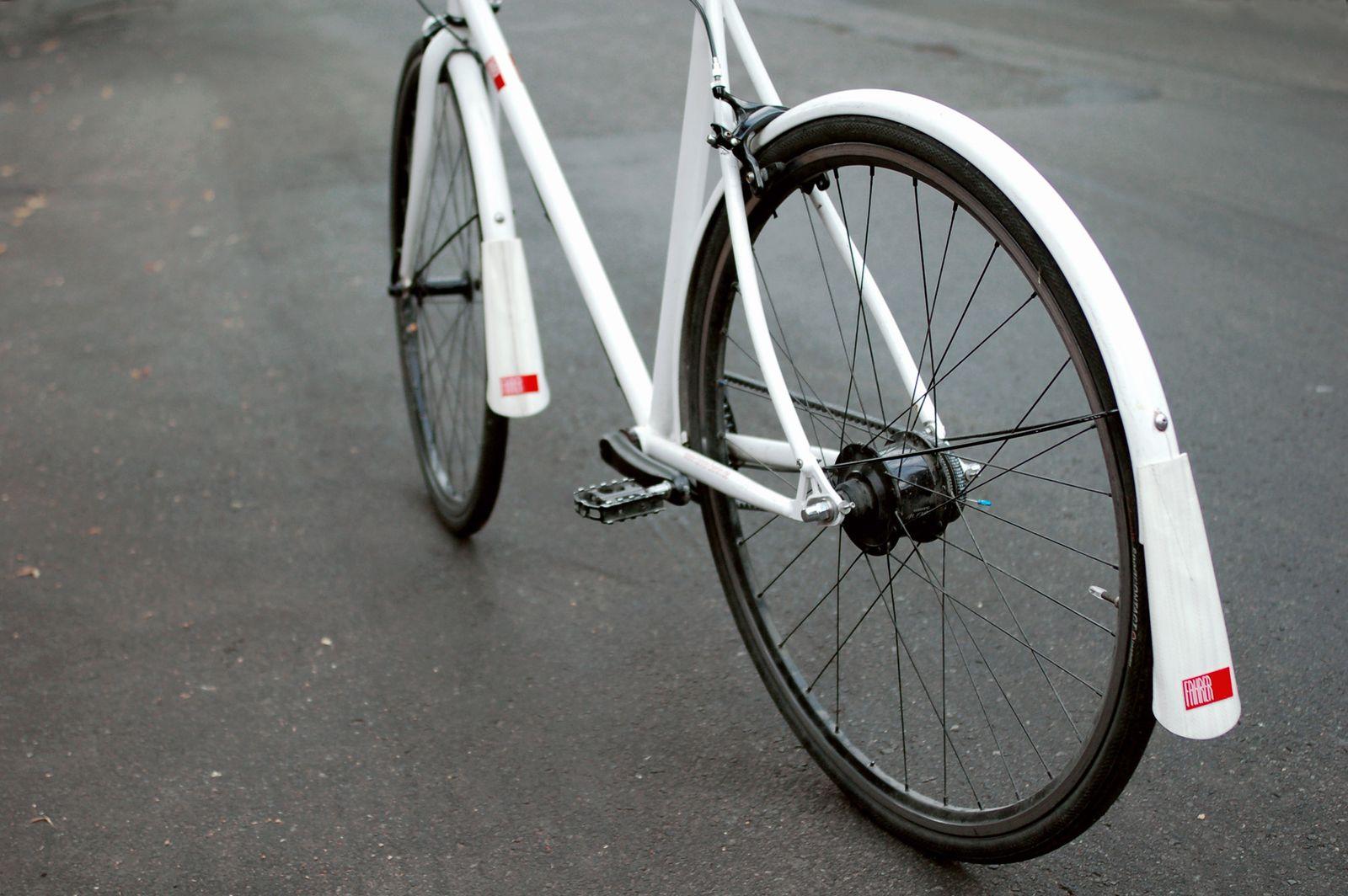 EINMALIGE VERWENDUNG 2013 / Gadgests / Radfahrer
