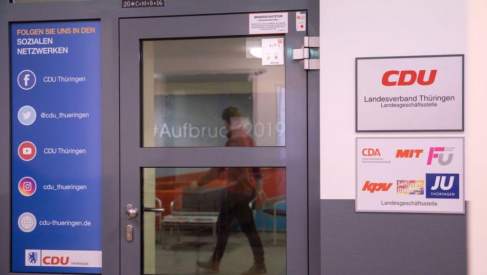 Tür der CDU-Landesgeschäftsstelle in Erfurt