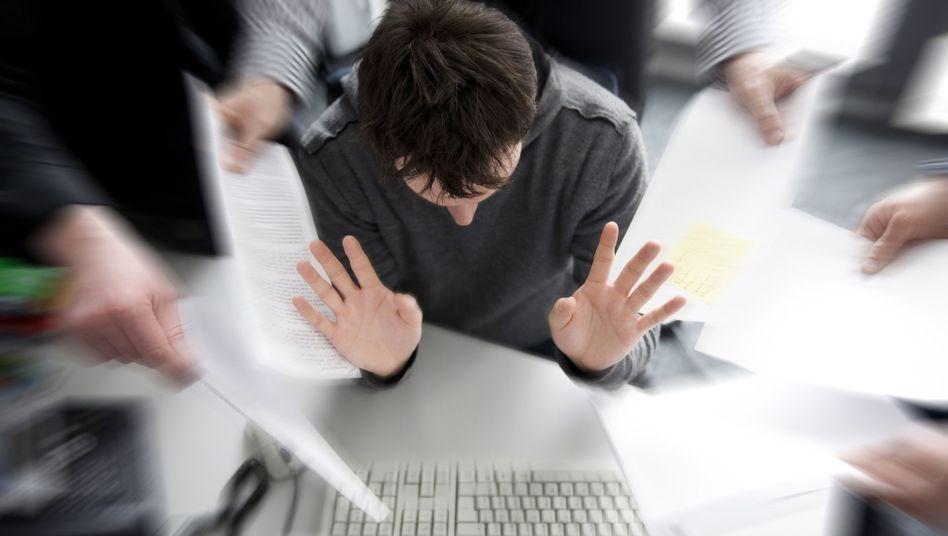 Grenze der Belastbarkeit: Wer sich bei der Arbeit gestresst fühlt, kann sich wehren