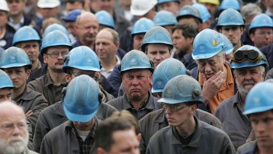 Werftarbeiter in Rostock: Deutschland ist Schlusslicht bei der Lohnentwicklung