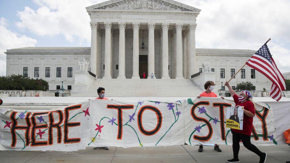 Wir bleiben: Siegreiche Einwanderer vor dem Supreme Court