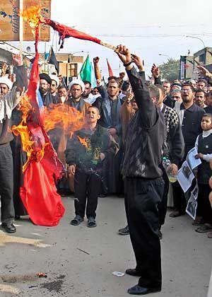 Iraker verbrennen norwegische Fahne: Immer mehr Gewalt bei den Protesten