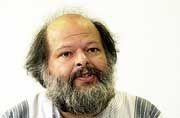 Wau Holland war Mitbegründer und Alterspräsident des Chaos Computer Clubs (CCC). Er galt als graue Eminenz und Vordenker der deutschen Hacker-Szene