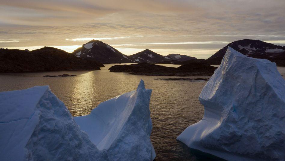 """Eisberge in Grönland: Die Arktisinsel ist """"reich an Mineralien, sauberstem Wasser und Eis"""" - aber steht nicht zum Verkauf"""