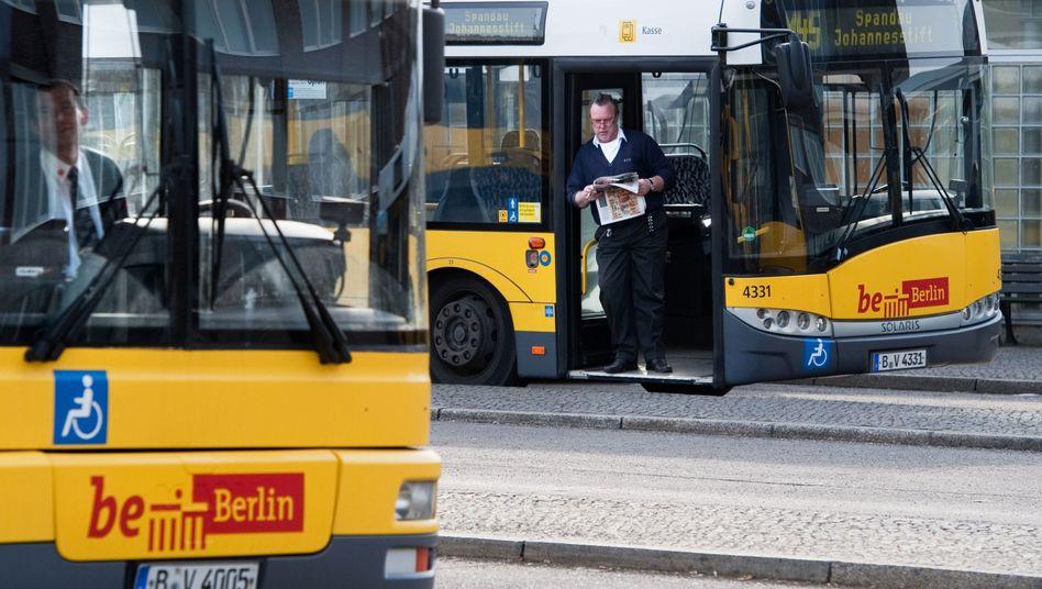 Busfahrer der BVG am Zoologischen Garten (Archivbild)