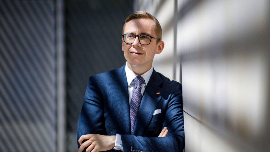 """Abgeordneter Amthor: """"Freier Mitarbeiter, monatlich, Stufe 1"""""""