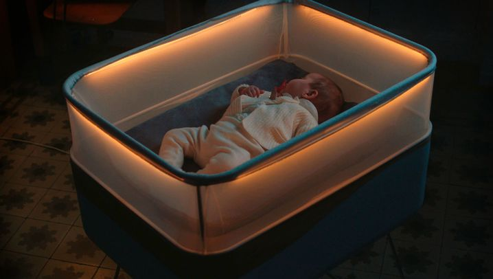 Brummendes Kinderbett: Mit Gebrumm, durch die Nacht