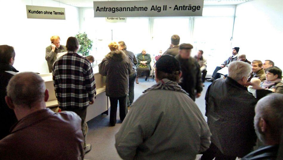 Arbeitsagentur in Leipzig: Zehn bis zwölf Euro mehr im Monat