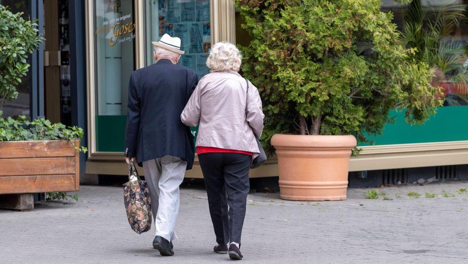 Senioren in Leipzig: Heftige Debatte über die Zukunft der Rente