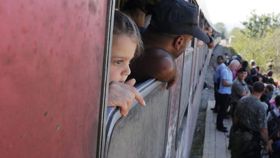 """Flüchtlinge in einem Zug zwischen Mazedonien und Griechenland: """"Jetzt wird man überrannt"""""""