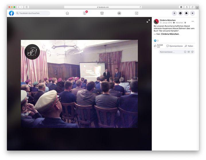 """Screenshot von der Facebook-Seite der Burschenschaft """"Cimbria"""": Vorstellung des Buchs """"Der einsame Kämpfer"""""""
