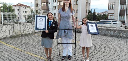 Guinness-Buch der Rekorde: Rumeysa Gelgi zur größten Frau der Welt gekürt