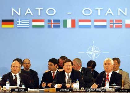 "Treffen der Nato-Verteidigungsminister: ""Don't call me, I'll call you"""