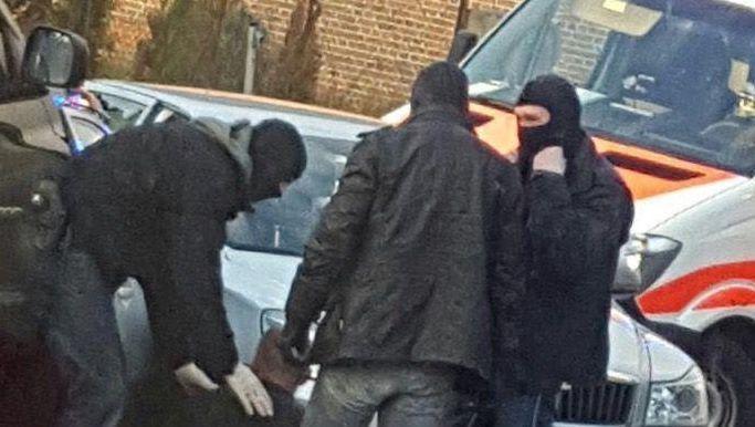 Das mobile Einsatzkommando beim Zugriff: Nicht der gesuchte Straftäter