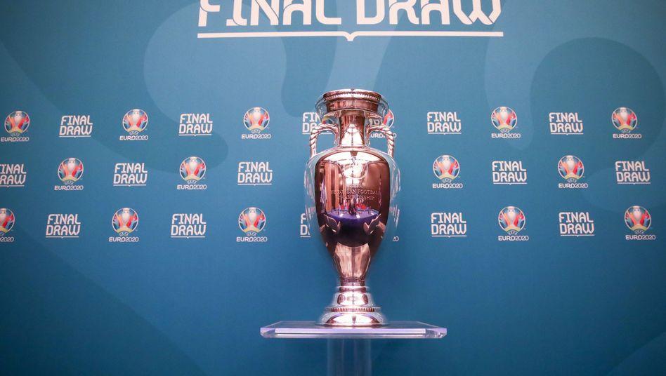 Der EM-Pokal: Wer wird ihn gewinnen?