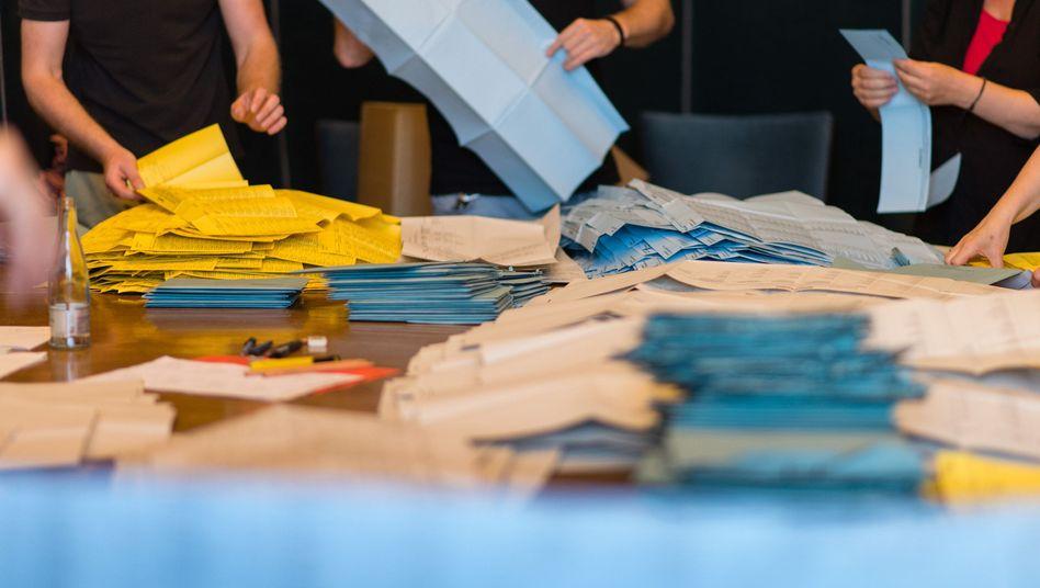 Auszählung der Stimmzettel in Hannover