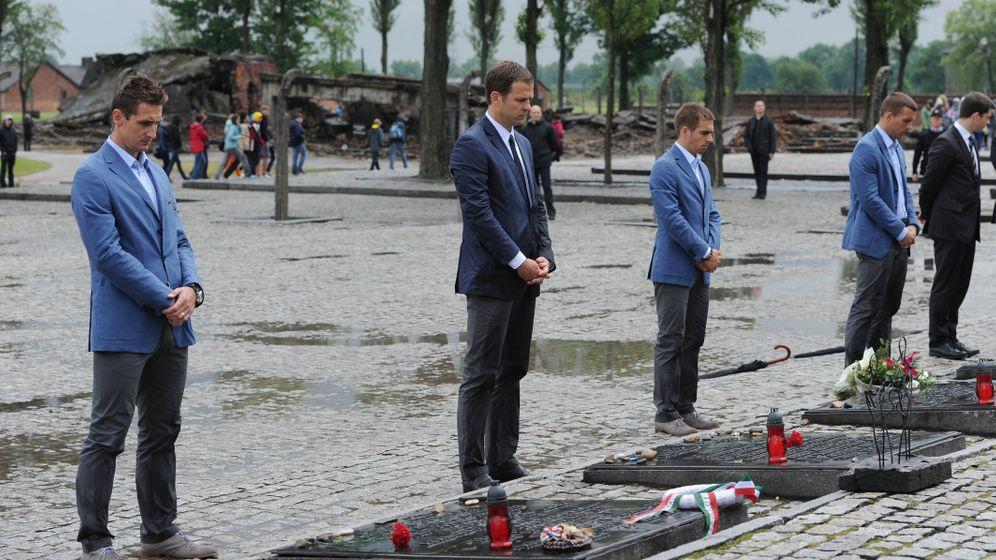 Photo Gallery: Top German Football Players Visit Auschwitz