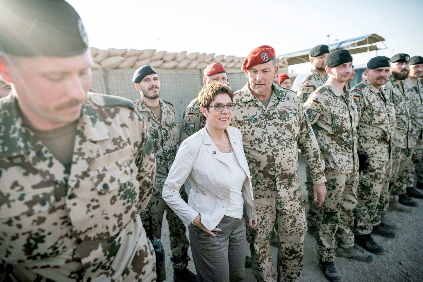 Verteidigungsministerin Annegret Kramp-Karrenbauer im Irak