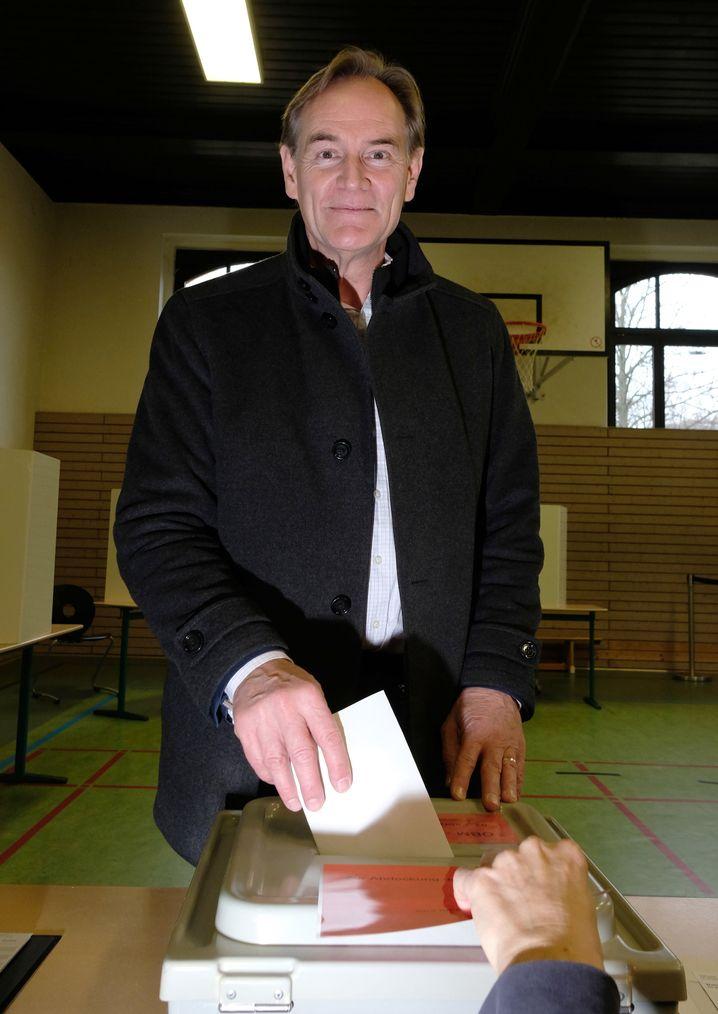 Oberbürgermeister bei der Stimmabgabe: Seit 30 Jahren wird Leipzig von der SPD regiert