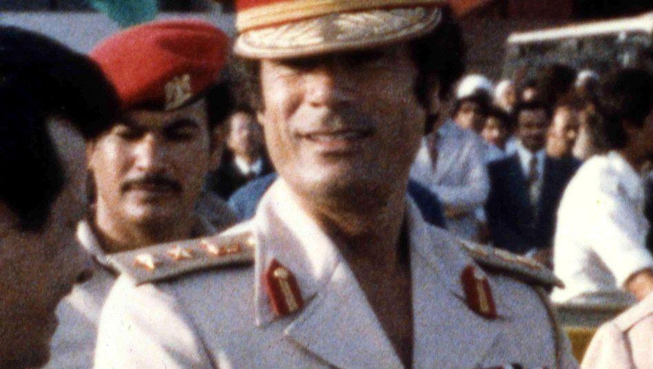 Gaddafi vor rund 30 Jahren: Libyer in Deutschland liquidieren