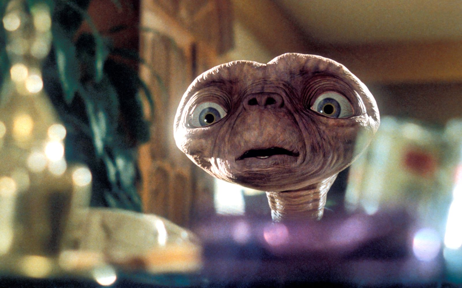 """E.T.: The Extra-Terrestrial"" E.T. ? 1982 Universal ** I.V."