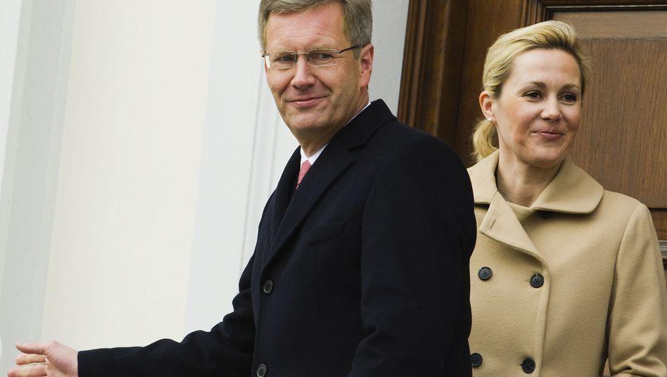 """Ehepaar Wulff: """"VIP-Vertrag"""" für den Wagen der First Lady?"""