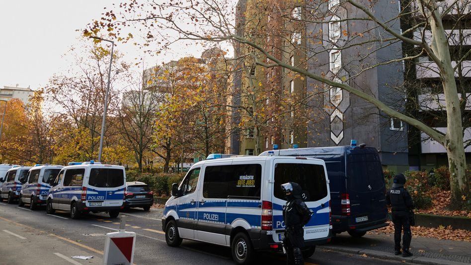 Berlin: Polizeieinsatz im Fall des spektakulären Dresdner Juwelendiebstahls (Archivbild)