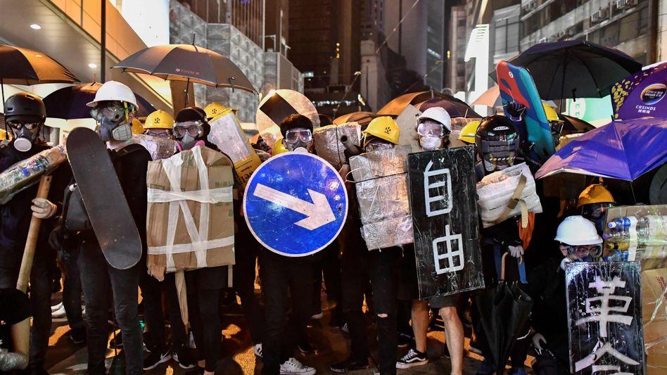Die Welt schaut auf Hongkong - und die Demonstranten vor Ort auf China