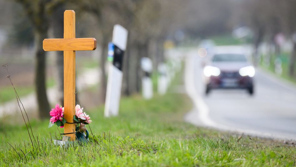 2020 starben nach vorläufigen Angaben der EU-Kommission 4000 Menschen weniger bei Verkehrsunfällen als im Vorjahr – trotzdem verfehlten die Staaten ein gemeinsames Ziel (Symbolbild)
