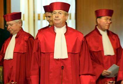 """Verfassungsrichter Hassemer (2.v.r.): """"Es geht um ein Prinzip"""""""