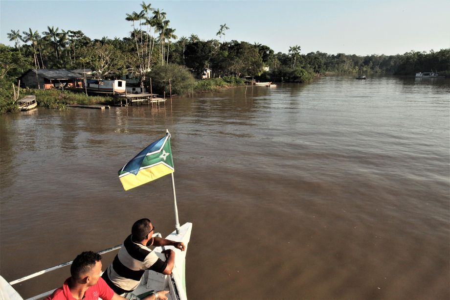 The ship's journey takes it through many smaller canals in the Amazon delta. Navigating can be complicated, and many villages aren't accessible during low tide.