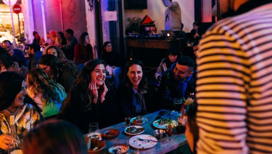 In den israelischen Bars wird wieder gefeiert, wie hier in Jaffa