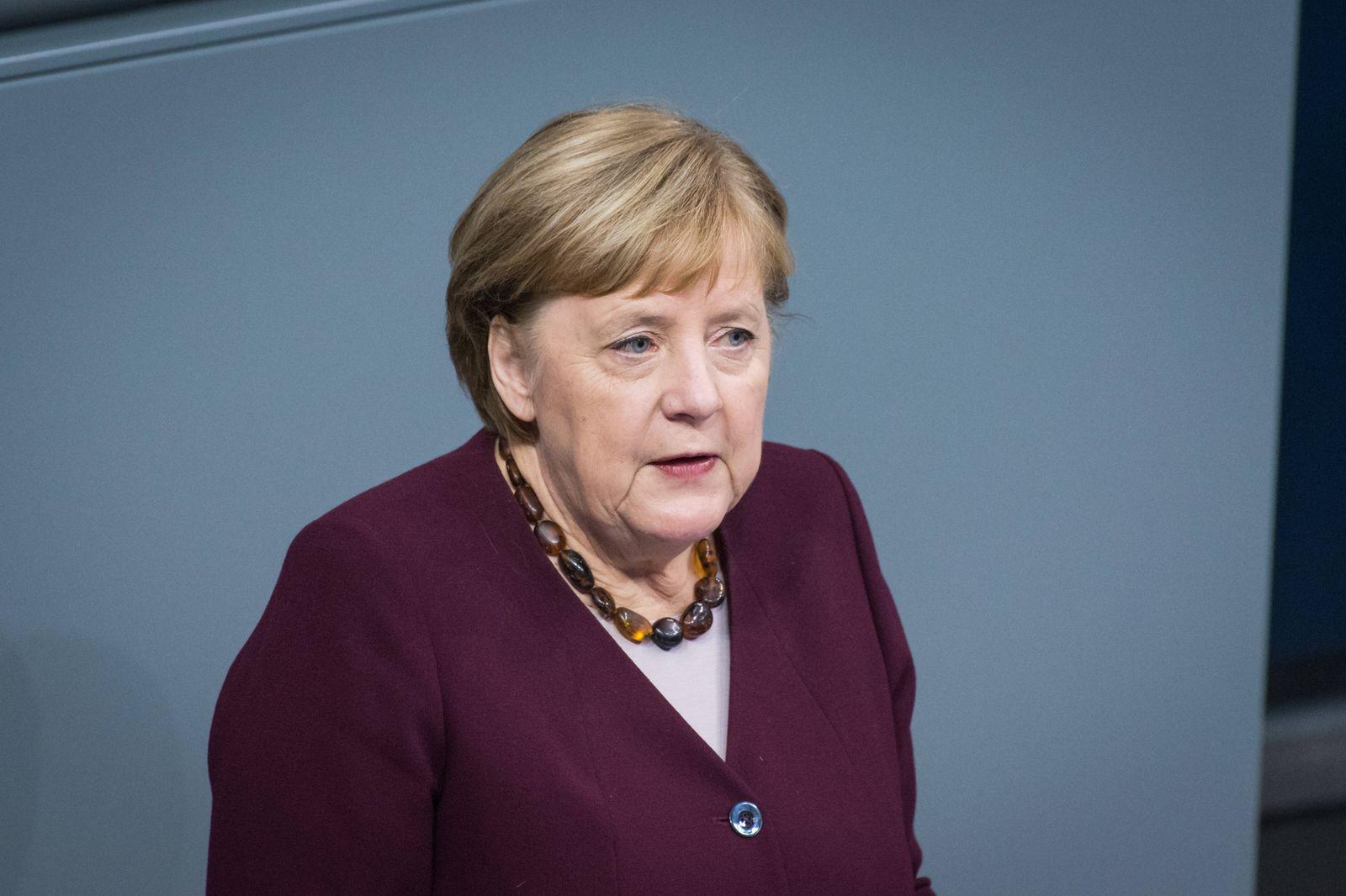 Berlin, Plenarsitzung im Bundestag Deutschland, Berlin - 26.11.2020: Bundeskanzlerin Dr. Angela Merkel (cdu) spricht zu