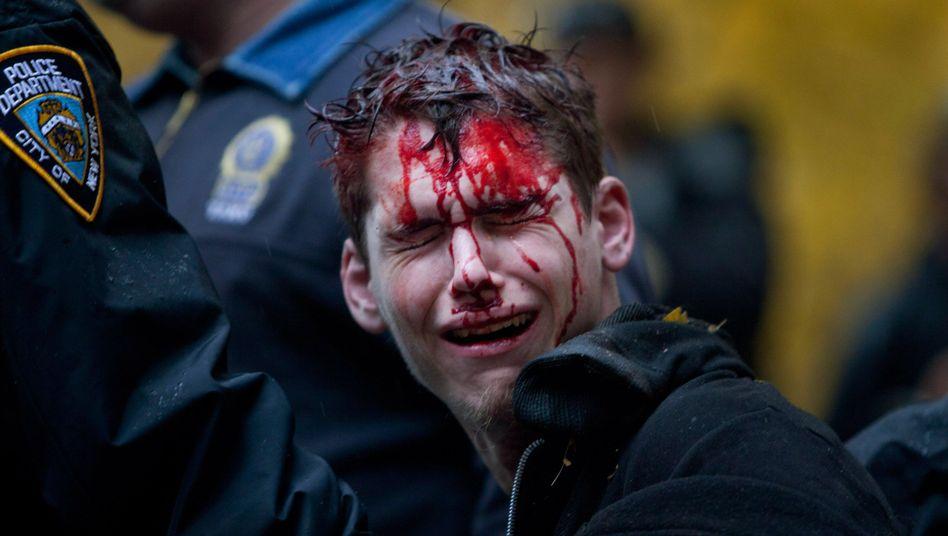 Verletzte bei Occupy-Protest: New Yorker Polizei nimmt Hunderte Aktivisten fest