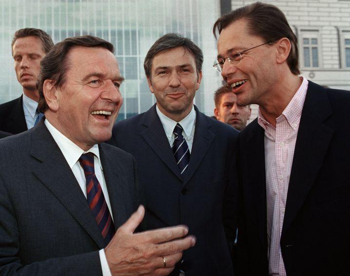 Middelhoff 2001 mit Kanzler Schröder (l.): Auf dem Höhepunkt der Macht