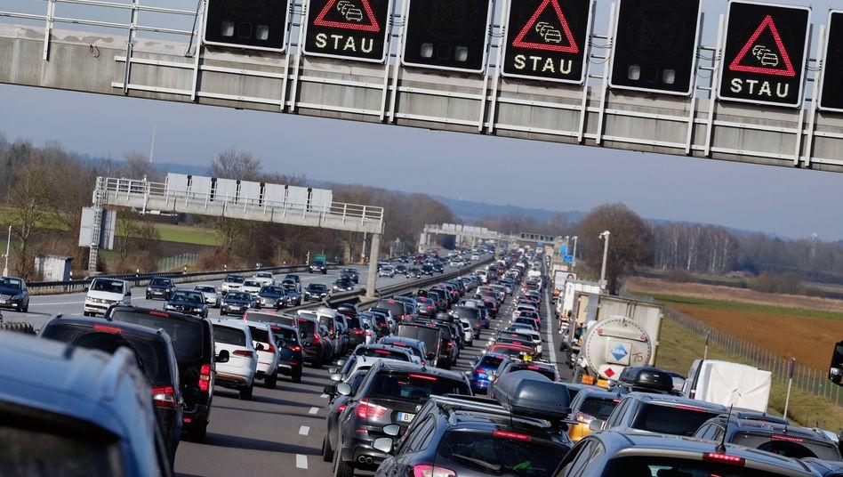 """Stillstand auf der A9 zwischen München und Berlin: """"Wir müssen flexibler werden"""""""