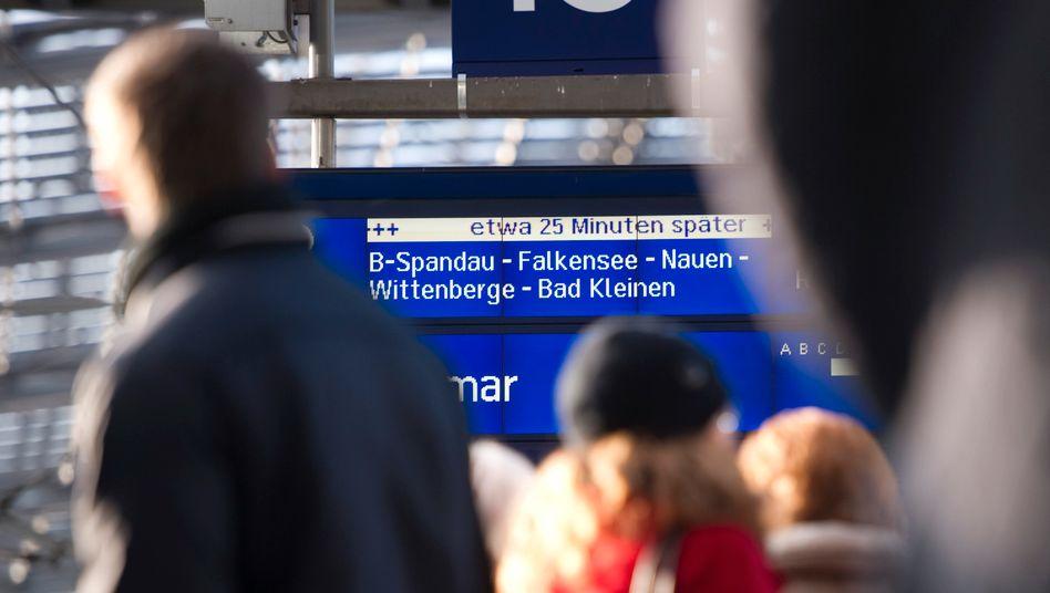 Anzeigetafel am Berliner Hauptbahnhof