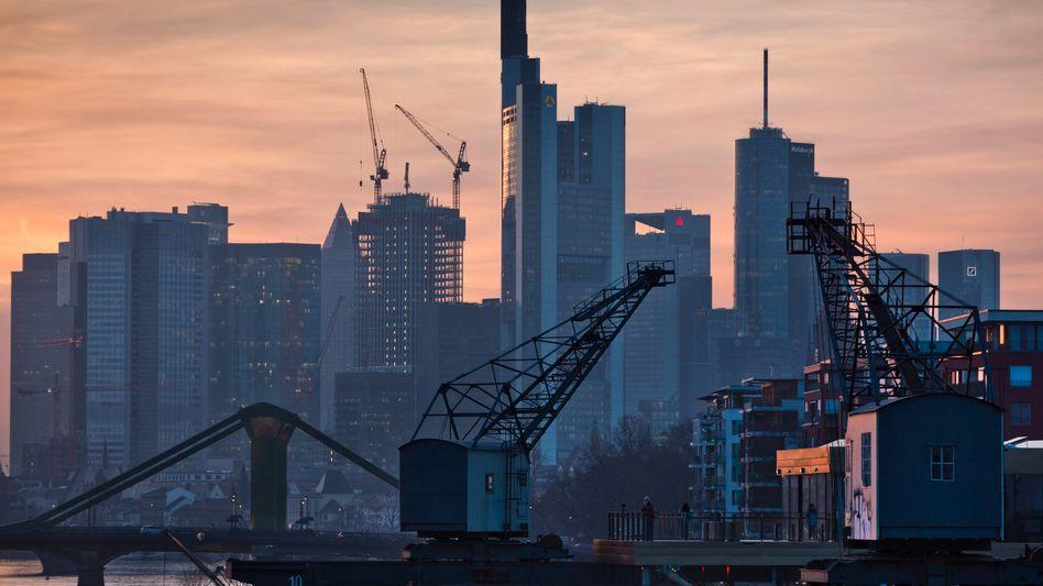 Bankenviertel in Frankfurt am Main: Beratungsaufträge in Höhe von 100 Millionen Euro
